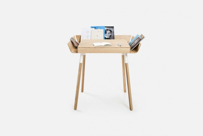 26. RASOMASIS STALAS MY WRITING DESK EMKO-min