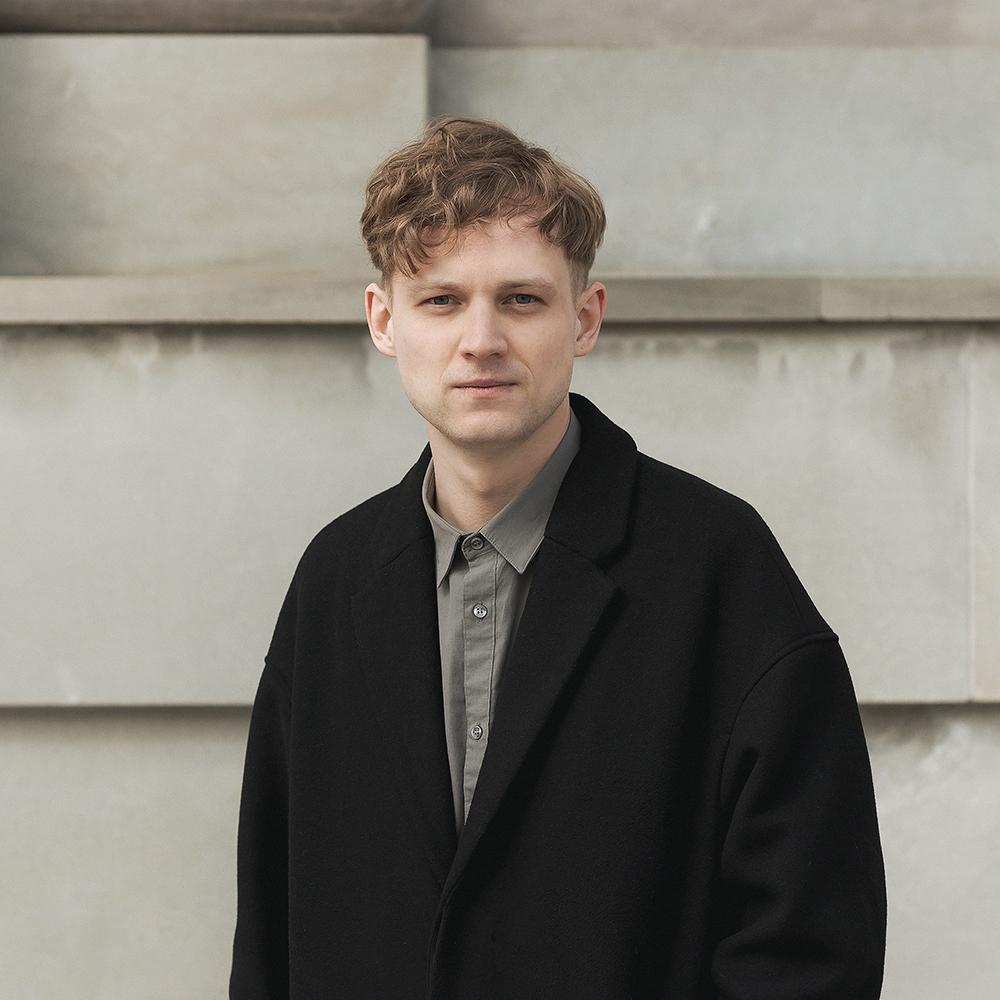 "Dizaineris Vilius Dringelis pelnė A' Design Award & Competition meno albumo ""Art & Us"" dizainą"